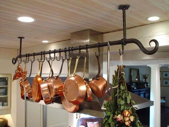 porte-casseroles-fer-forgé